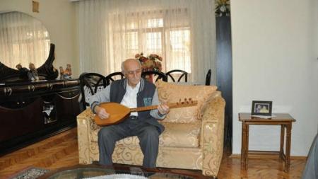 Karacaahmet Sultan Dergahı'nda Mehmet Yaman Dede anısına Lokma ve anma paneli.