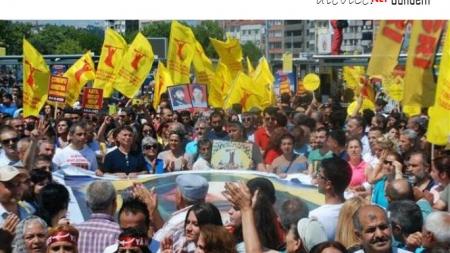 Madımak Katliamında Yitirdiklerimizi Kadıköy'de Andık
