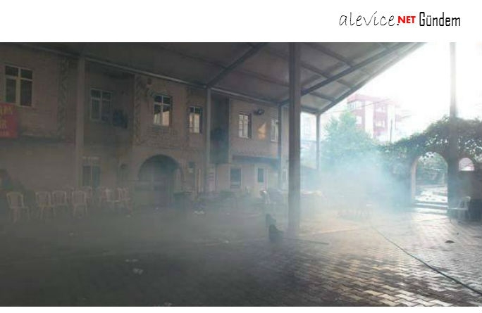 Polis'ten Gazi Cemevine Gaz Bombalı Saldırı