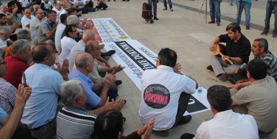 "Adana Alevi Platformu ""Öğretmenime Dokunma"""