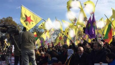 Alevi Mitinginde Öcalan Posteri Gerilimi | Almanya
