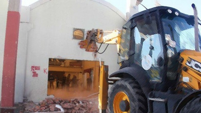 Bayraklı Belediyesi Cemevi'ne Ait Tesissi Yıktı ! | İzmir