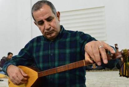 Dertli Divani 'hazinesi'ni gençlerle paylaşıyor
